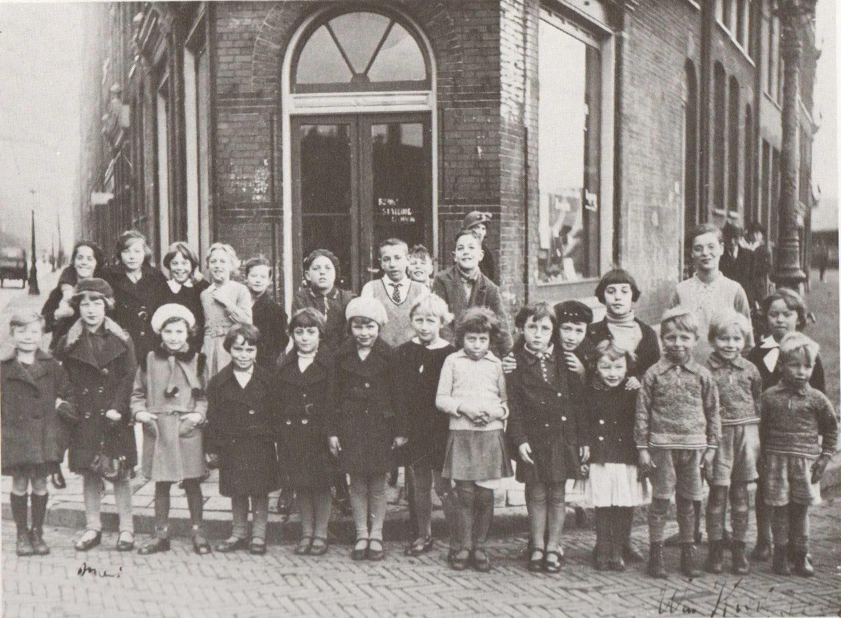 Kleding In Nederland.Over Kleding En Matzes 2 Geheugen Van Oost