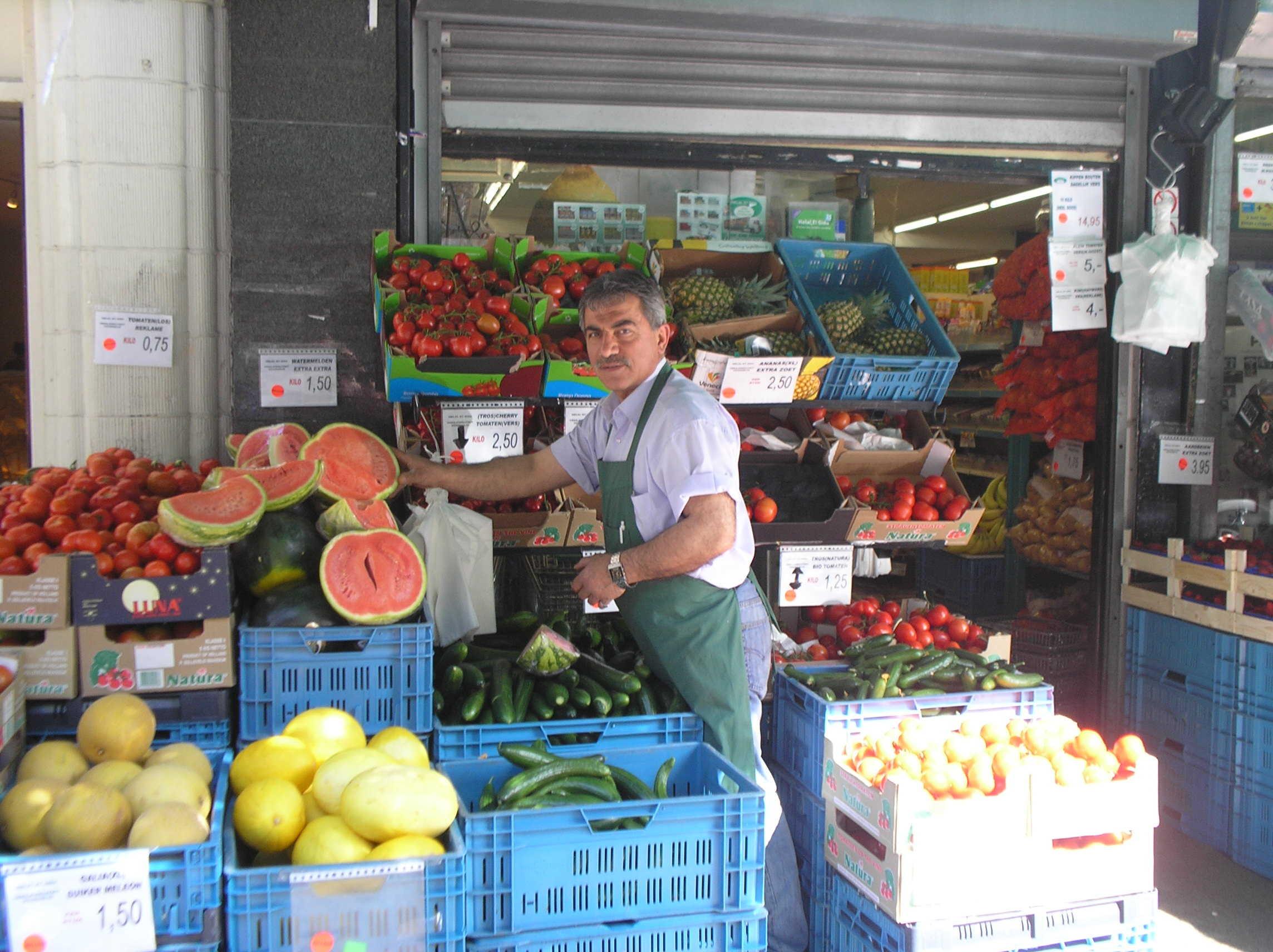 Turkse supermarkt geheugen van oost for Turkse kapper amsterdam oost