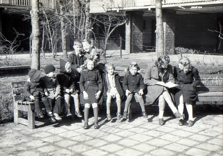 Binnentuin van de Krugerhof, wie herkent zich?